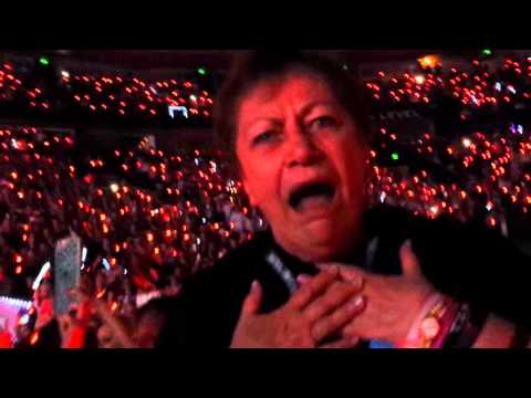 72 Year old Granda Wows Taylor Swift Concert by Mick Jagger