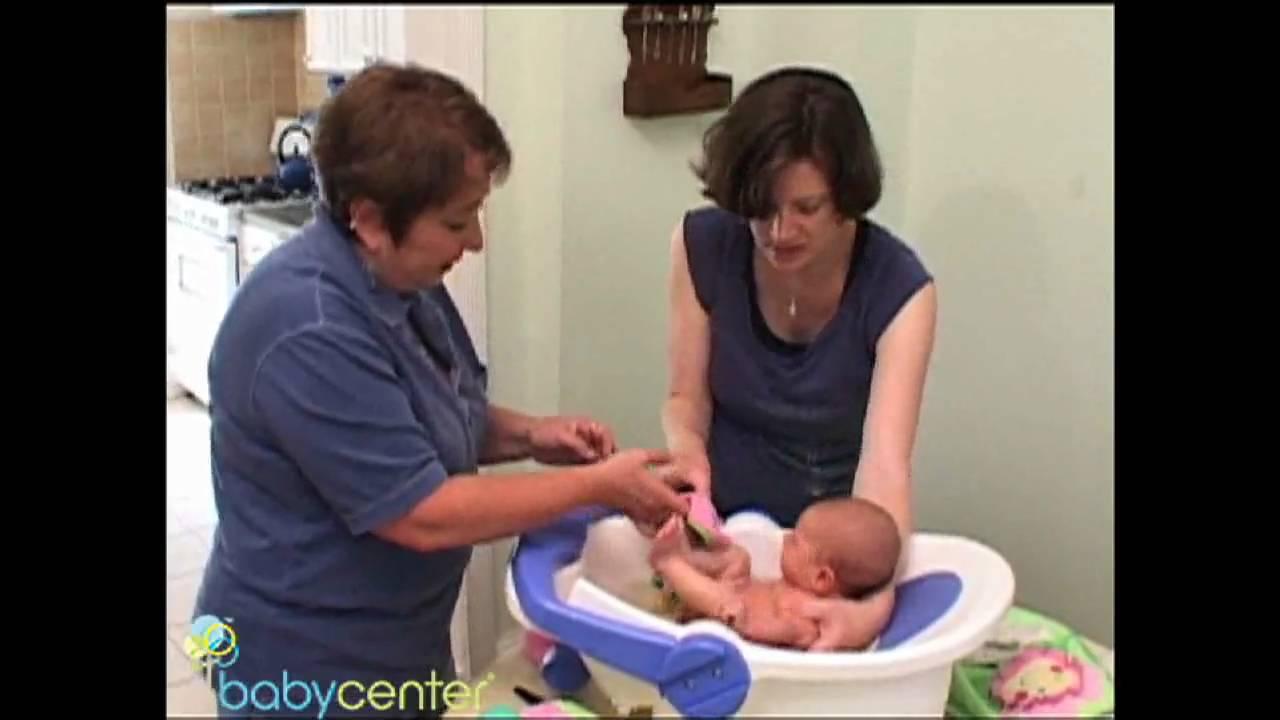 How To Bathe a Newborn ?